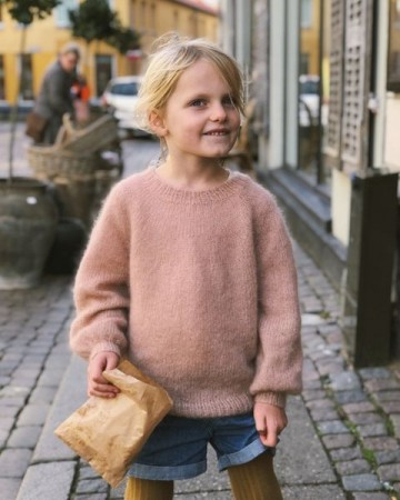 Novice Sweater Junior - Mohair Edition | Tynn Silk Mohair | Strikkepakke Sandnes Garn