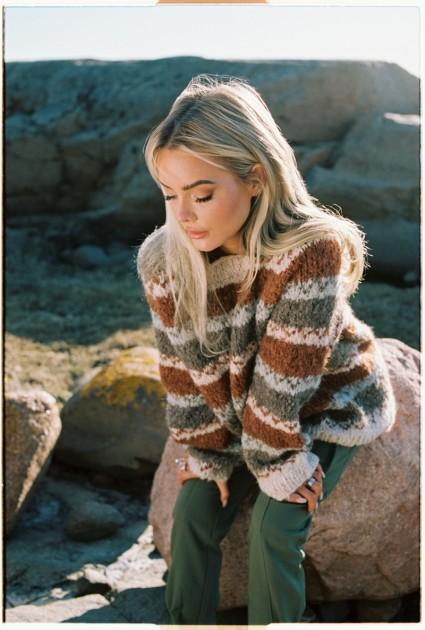 02 Modig genser | Skappel X Sophie Elise | Strikkepakke